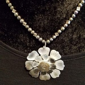 Flower in Moonlight Mother of Pearl Necklace NWT